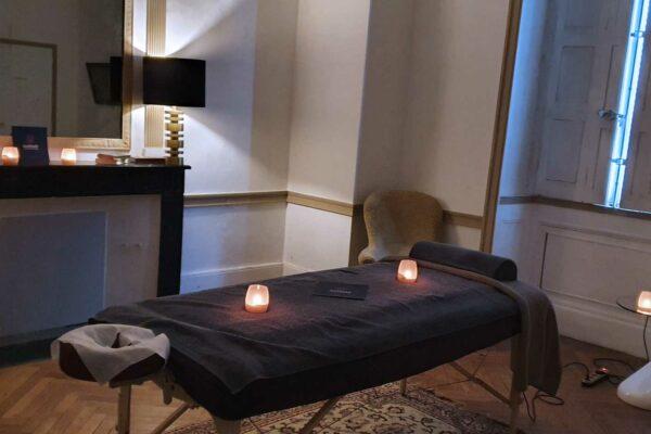 Massage bien-être énergétique Nantes thérapeute holistique homme femme